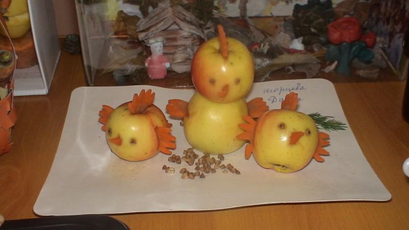 Мишка из яблок поделка 7